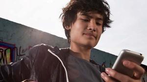 boy-phone